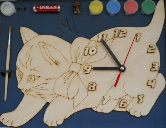 Часы с циферблатом под роспись «Кошка» с красками